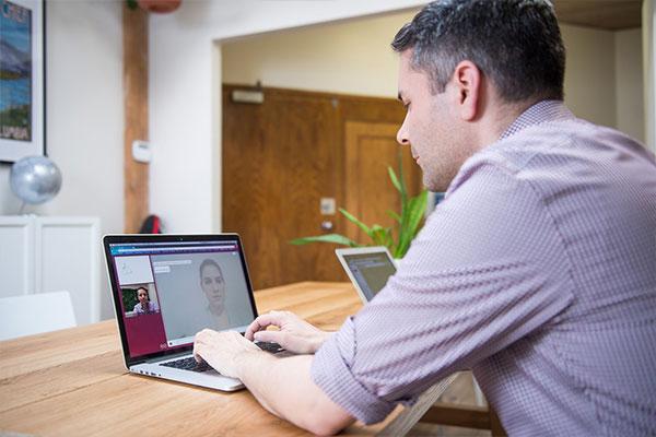 Adobe Connect برای جلسات